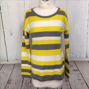 🆕 Gap Gray, Yellow & White Striped Sweater Size M